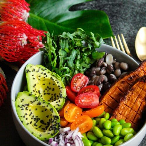 Buddha bowl - Opskrift på lækker og sund salat bowl med søde kartofler