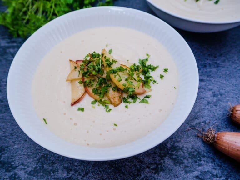 Jordskokkesuppe - Opskrift på lækker og sund suppe med jordskokker