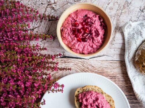 Rødbedehummus - Opskrift på lækker og sund hummus med rødbede