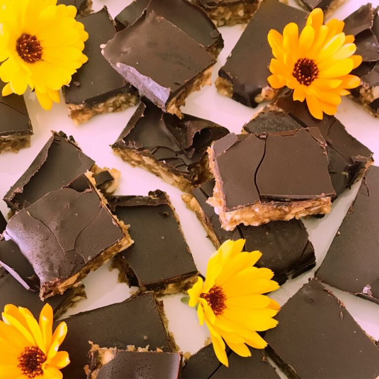 Sunde snickers - Opskrift på hjemmelavet snickers lavet på 3 ingredienser