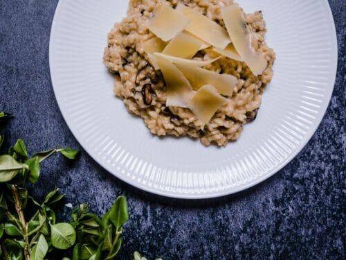 Svamperisotto - Opskrift på cremet svampe risotto med parmesanost