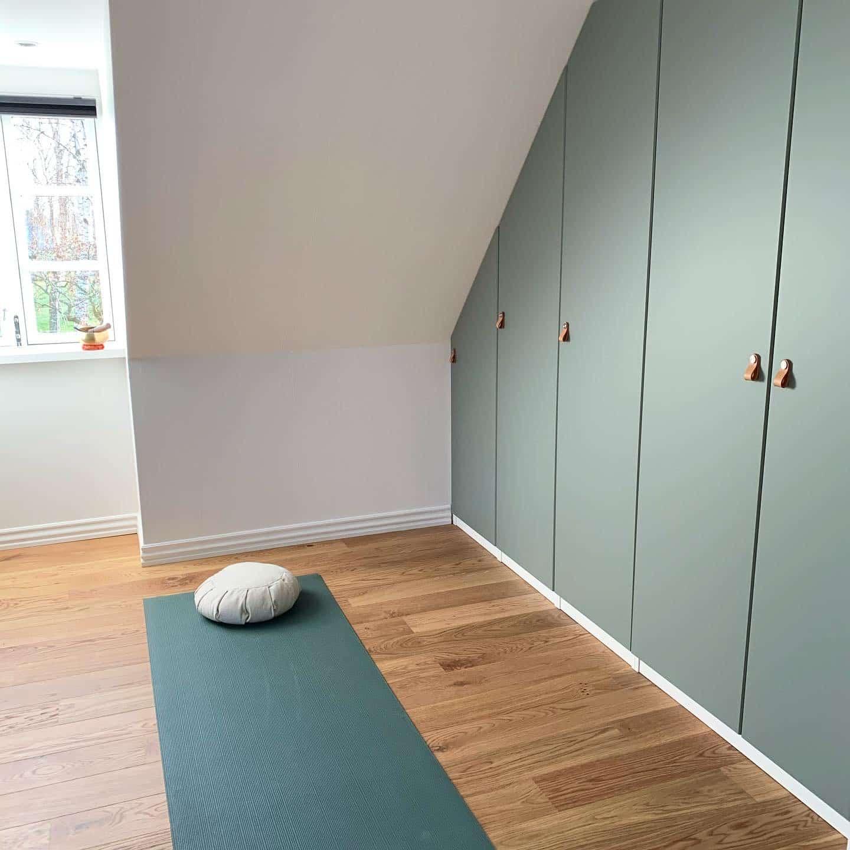 Hjemmeyoga - Yoga hjemme i stuen