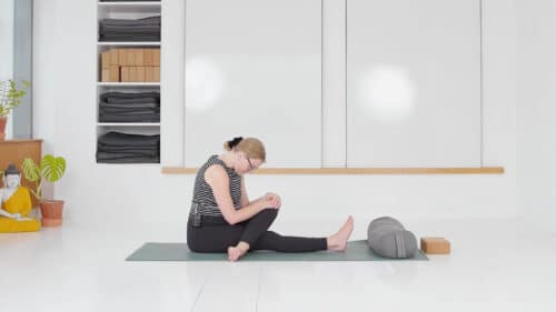 Blid yoga mod bækkensmerter 2