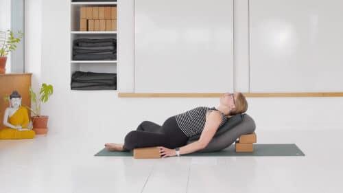 Restorativ gravid yoga 2