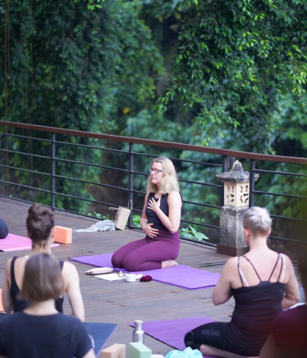 Yoga Uddannelse Bali 2022 - 200 timers Yogauddannelse for krop og sjæl